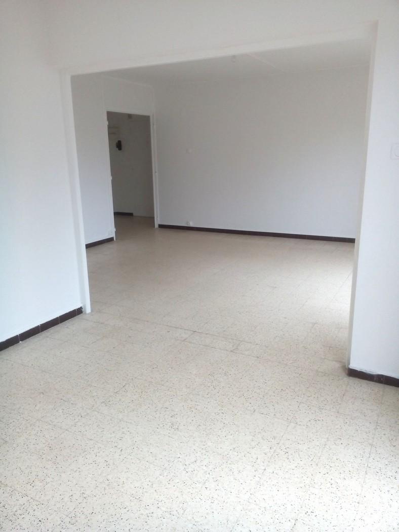 Nîmes T3/4 (79m²) 600€ H.C Chemin des justices vieilles
