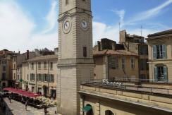 STUDIO 30m²+BALCON 445€ Nîmes Centre MEUBLÉ