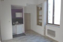 T2, 29m² Rue Sainte Dominique 400€ Nîmes