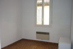 STUDIO 330€ Rue Bec de Lièvre Nîmes centre 18m² Meublé