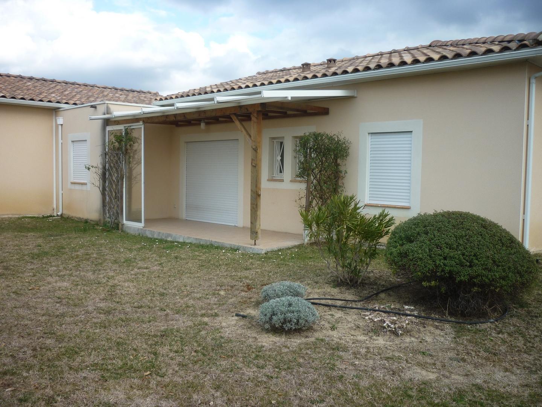 Langlade, Maison 80m²+Garage Les Chasselas 820€