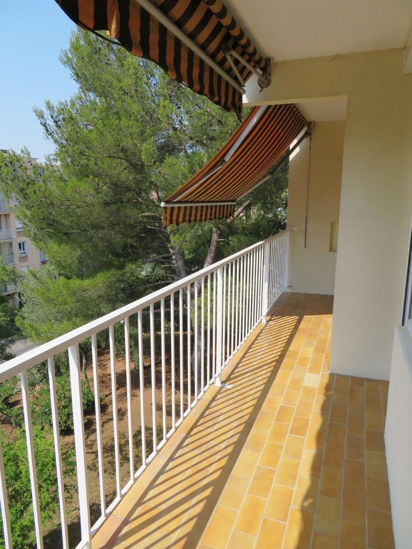 T2+PARKING 550€ Nîmes 57m²