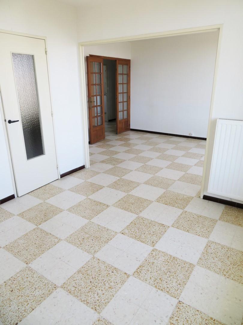 T3/4 583€ Nîmes Capouchiné 66m² +PARKING