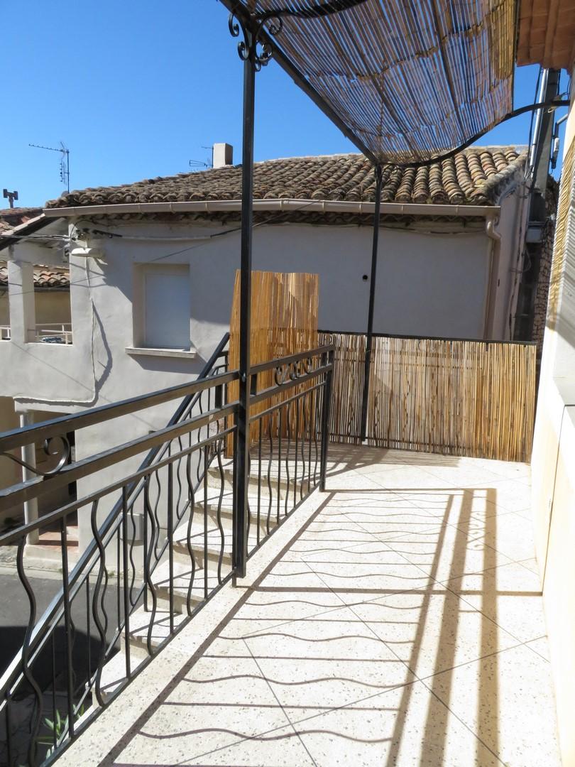 Nîmes-ST-CESAIRE 750€ Maison 90m²+Grand Garage