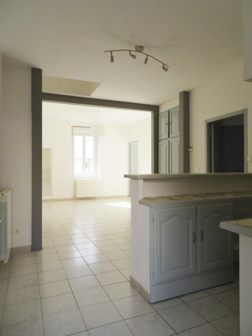 T3 Rue Traucat Nîmes Arenes 124 000€ 60m²