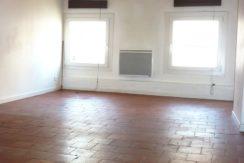 T2 Nîmes, Rue des Greffes, 380€, 40m²