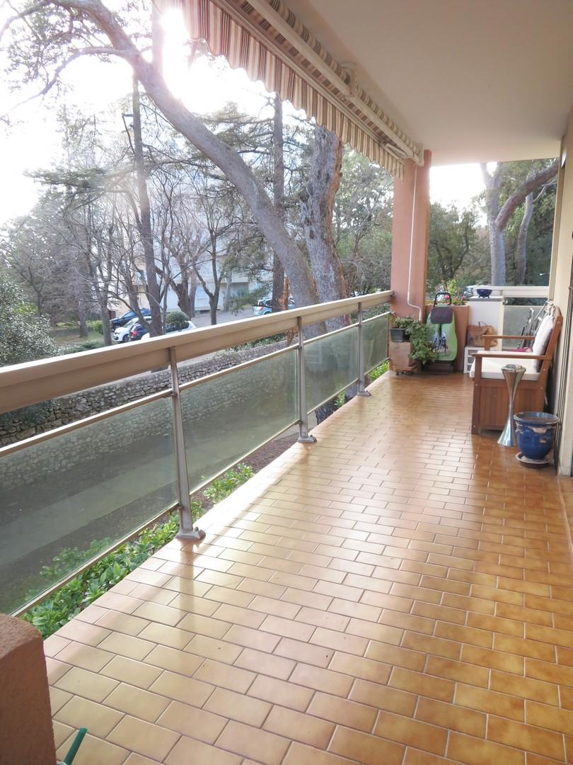 T4, 97m², Puech du Teil, 950€, Nîmes