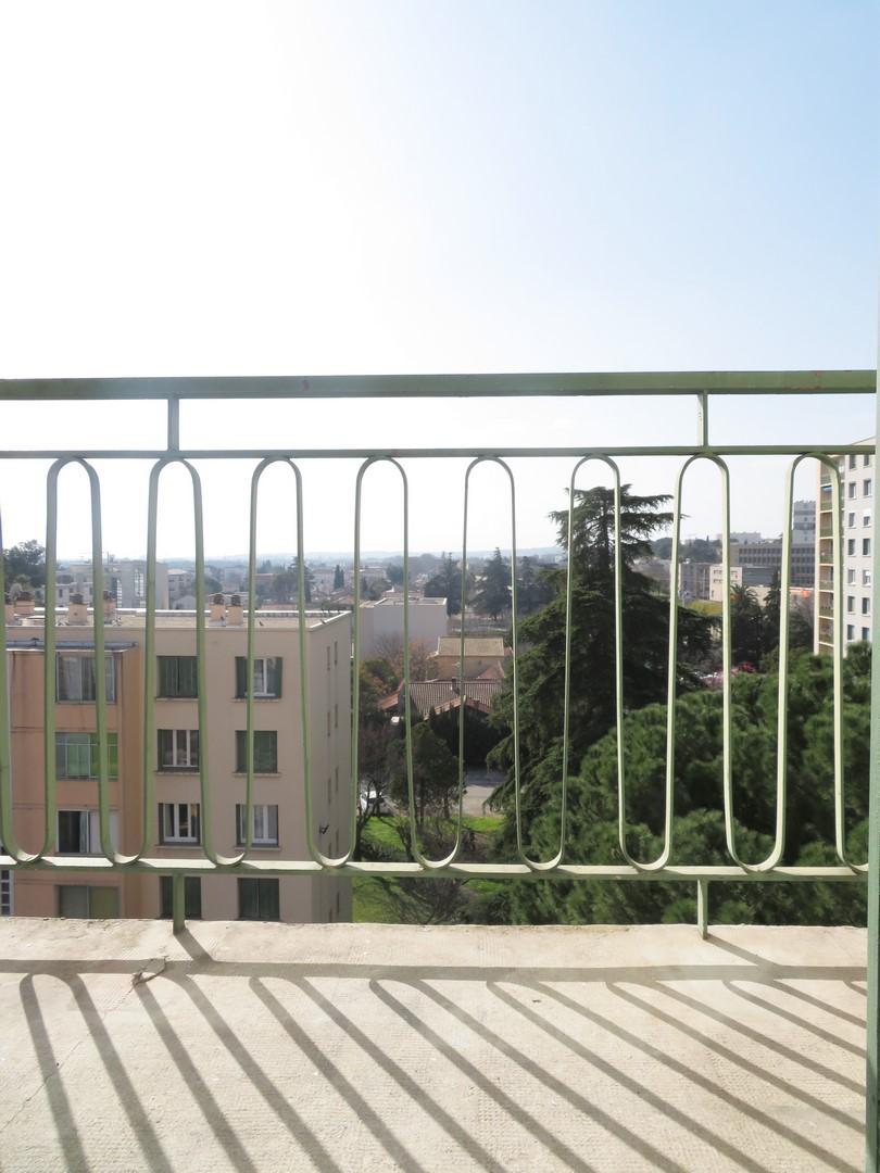 T2, 40m²+SECHOIR+CAVE+PARK, 450€ Nîmes Capouchiné