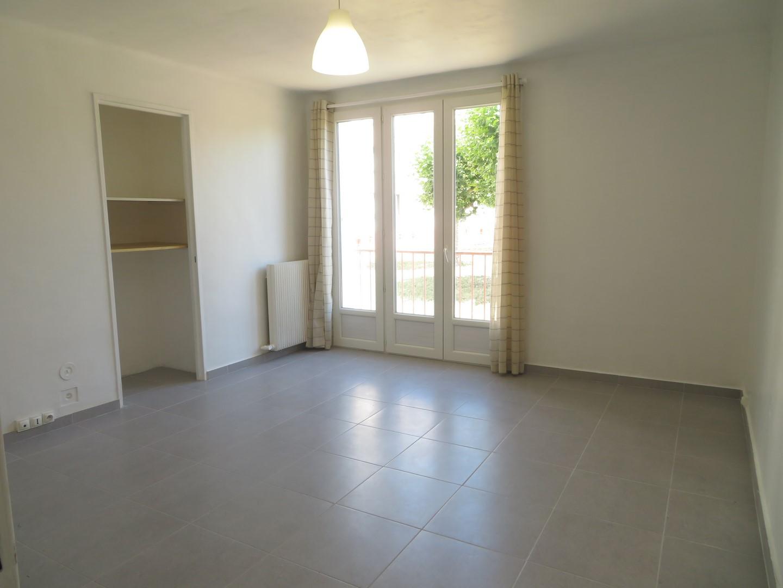 T3, Rue des Platanes, 550€, 55m²