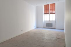 Nîmes centre T1Bis, 40m² Rue Hotel de ville, 380€ H.C