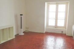 T2, Nîmes, Rue de l'Horloge, 39m², 470€ H.C